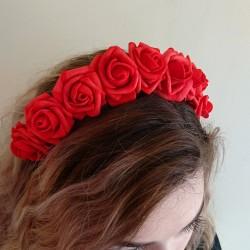 Nr. 1 raudonas gėlių vainikas